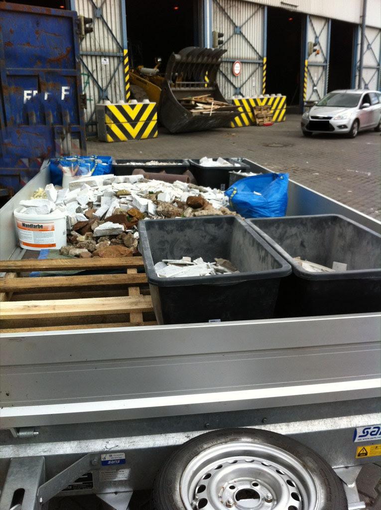 Das muss alles noch in den Container!