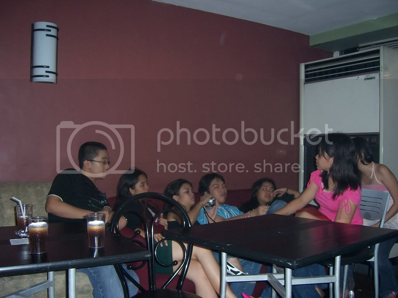 The few who stayed behind (but not really), complete with red eyes: me, Tracy, Kizia, Martin, Kim, Ariane and covered Sara. Image hosted by Photobucket