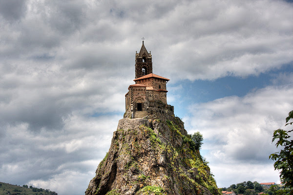 perierga.gr - 7 ασυνήθιστα μέρη για εκκλησία!