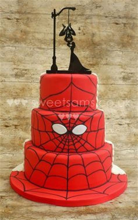 Half and half wedding cake marvel spiderman   Superhero