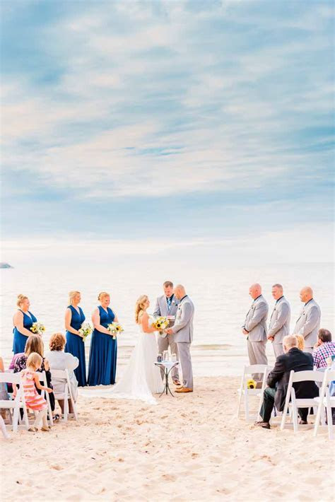 Lake Michigan Wedding Venues   Northern Michigan Beach