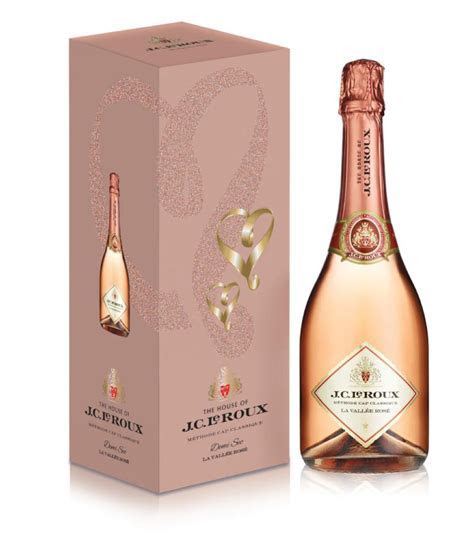 Top 10 Sparkling Wines for Weddings   Pink Book Weddings