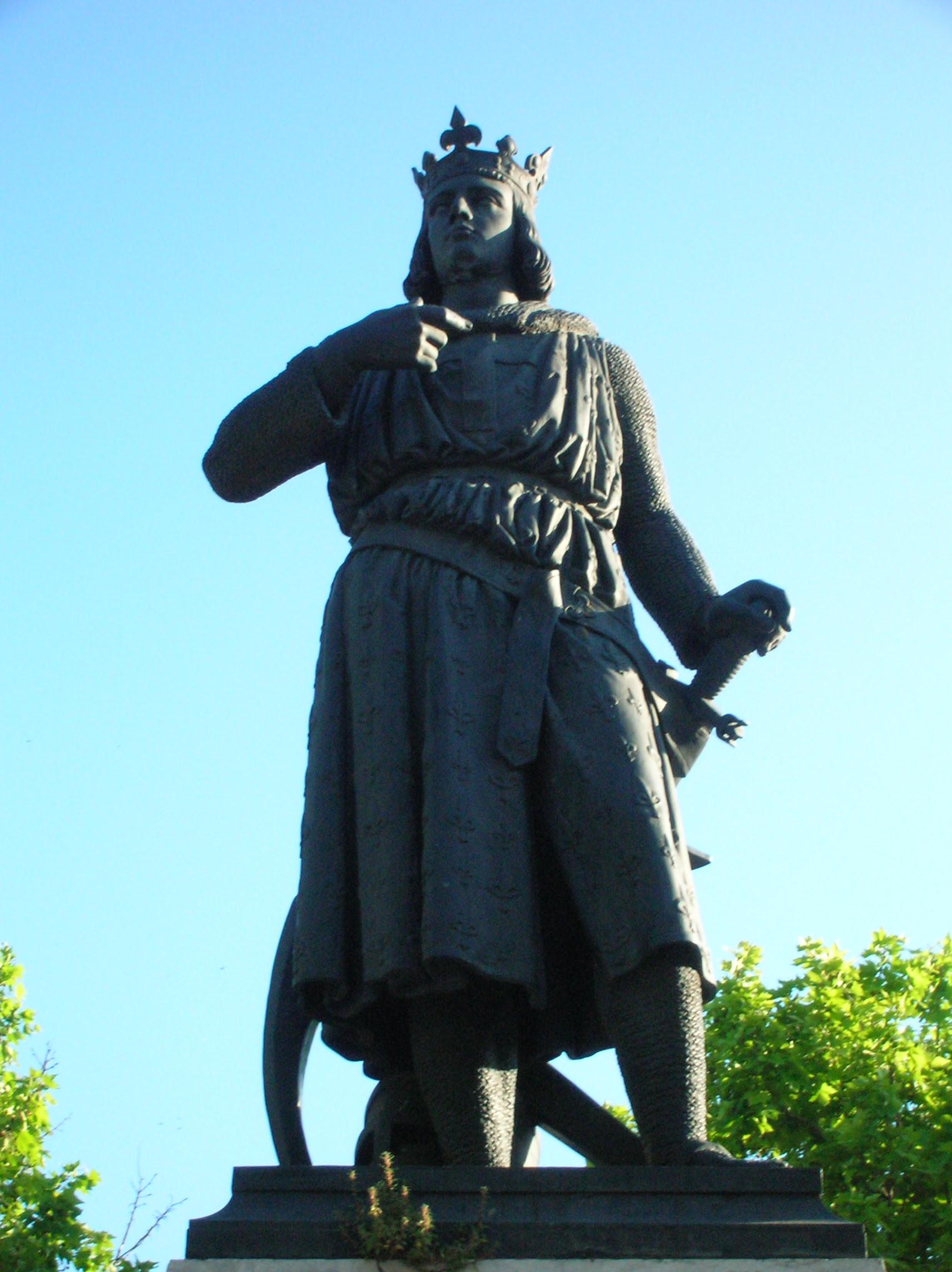 Statue of Louis IX de France (Saint Louis), scultped by James Pradier, in Aigues-Mortes