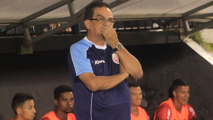 Francisco Diá técnico do América-RN (Foto: Fabiano de Oliveira)