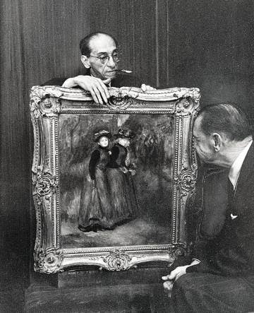 Paul Rosenberg (centro) enseña un 'renoir' en Nueva York al escritor William Somerset Maughan.