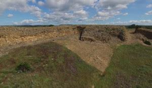 Vista exterior de la muralla de Tejada la Vieja.