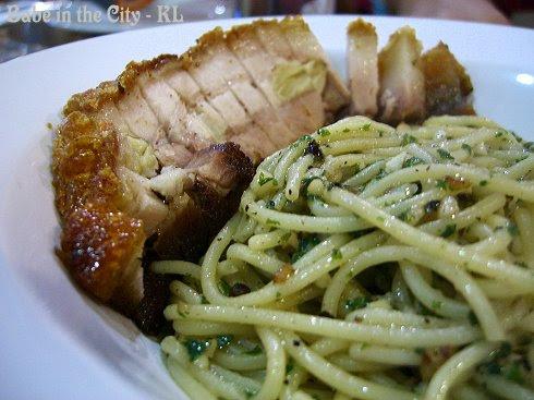 Spaghetti Aglio Olio with Roasted Pork RM19.90