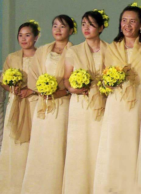 Clothes For Wedding Entourage   Unique Wedding Ideas