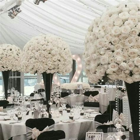 25  Best Ideas about Black And White Centerpieces on