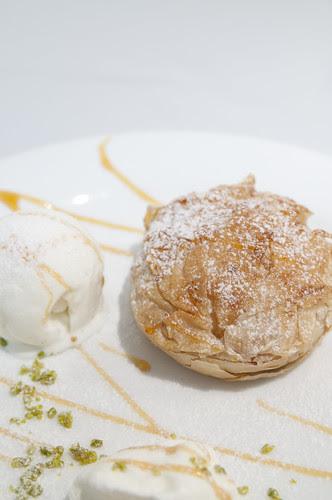 リンゴのパイ包み焼き ミルクジェラート添え, La Fermata, 新宿伊勢丹 イタリア展