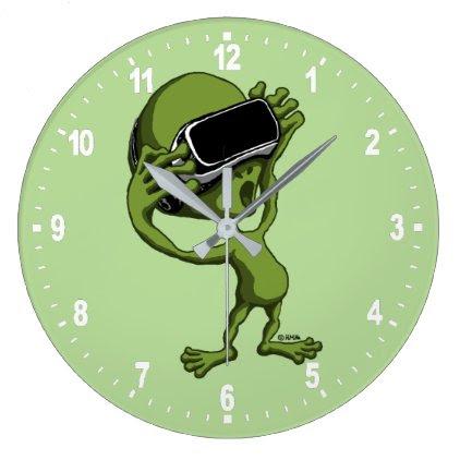 VR Alien Large Clock
