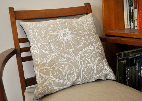 Filigree cushion