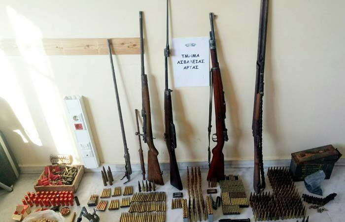 Άρτα: Σύλληψη 80χρονου για όπλα και πυρομαχικά στην Άρτα