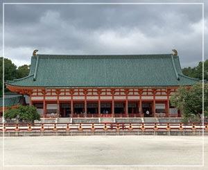 平安神宮にお参りしてきました。