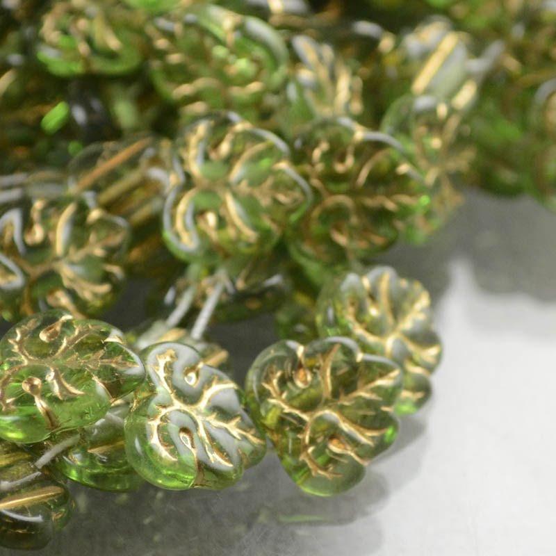 s43898 Glass Leaves - 13 mm 2 Hole Maple - Peridot (strand 25)