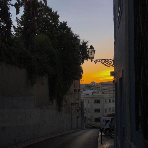 A noite chega#lisboa #instagramcml #lisbon http://ift.tt/2caq0WR