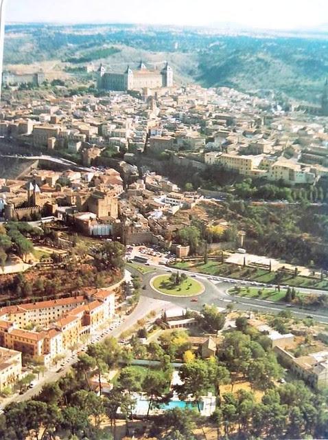Vista aérea de la Avenida de la Reconquista. Año 1987