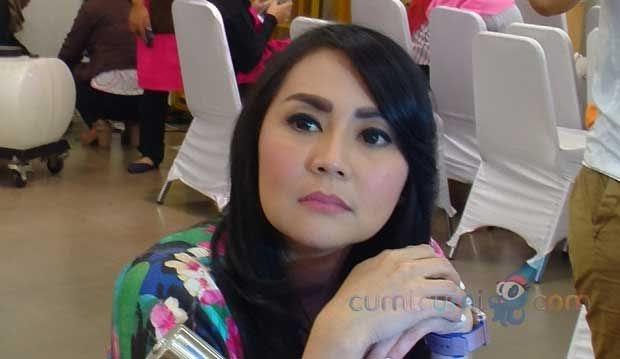 Anya Geraldine Orang Tua | Foto Artis Sexy