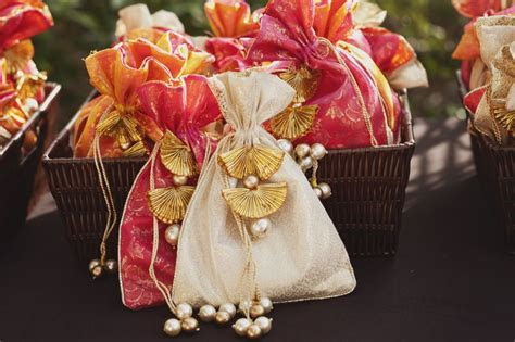 Best 25  Return gifts indian ideas on Pinterest   Indian