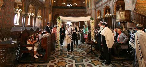 Wedding ceremonies in Italy: civil religious and symbolic
