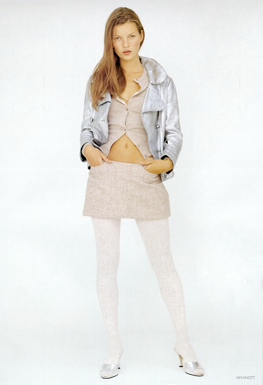LE FASHION BLOG EDITORIAL KATE MOSS MORE DASH THAN CASH BRITISH VOGUE UK DECEMBER 1993 KIM KNOTT PASTELS PINK BOUCLE MINI SKIRT SUIT TOP SILVER METALLIC MOTO JACKET WHITE TIGHTS METALLIC SILVER MULE HEELS NATURAL BEAUTY 4