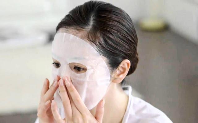 Không chỉ mang đến sự thư giãn tuyệt vời cho bạn mà đắp mặt nạ ấm nóng còn mang đến nhiều công dụng tốt hơn nữa. (Ảnh: Internet)