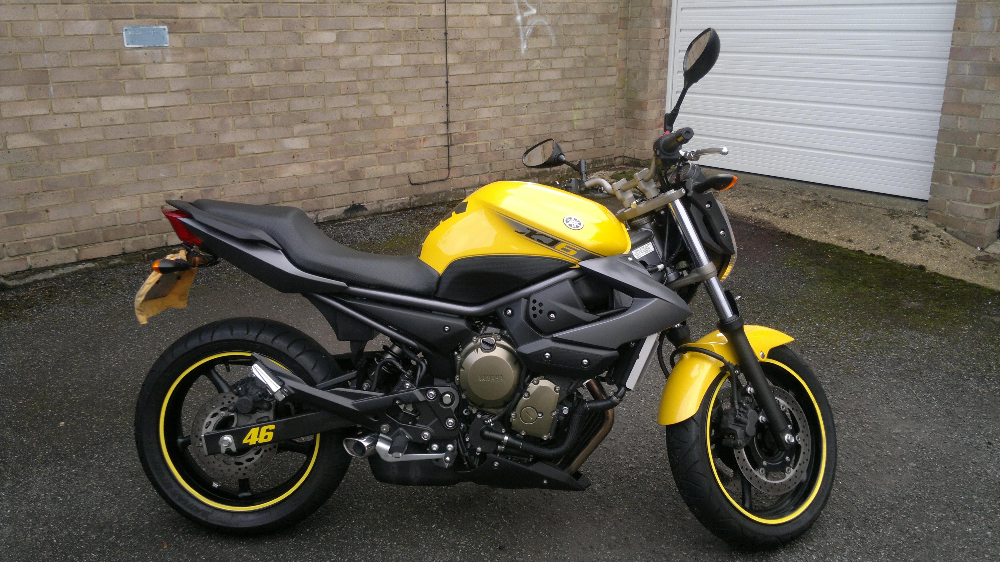 Yamaha Moto Xj6 - Brick7 Motos