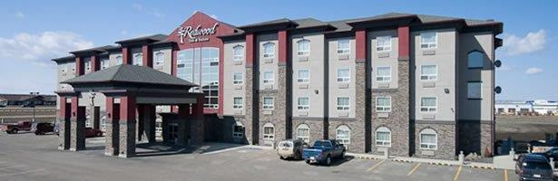 REDWOOD INN AND SUITES Reviews