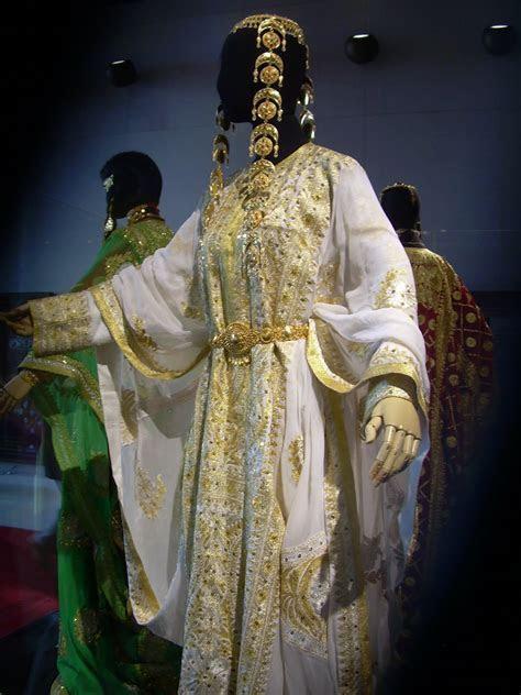 Costume History is fun!: Brides of the Arab World: Kuwait