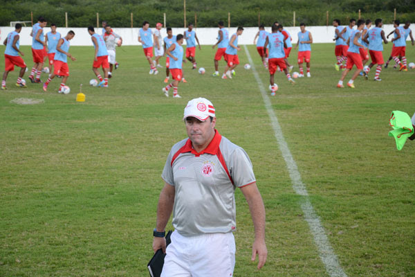 O técnico Pintado, mesmo com desfalques na equipe, está confiante em conquistar pontos jogando contra o Palmeiras, no Pacaembu