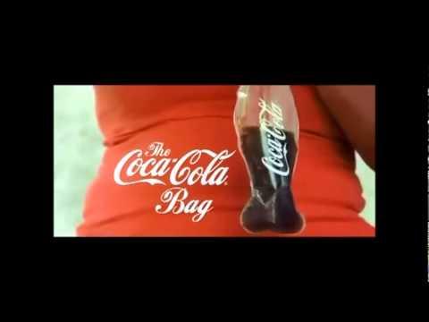 video que muestra como beben cocacola los salvadoreños