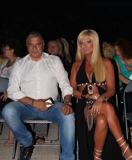 Σύζυγος Έλληνας πολιτικού προκαλεί «εγκεφαλικά» (photos)-1