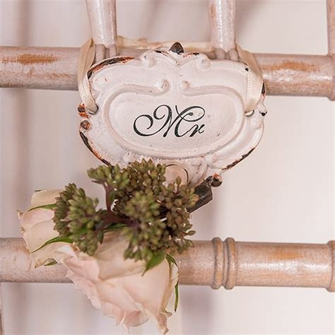 Shabby Chic Hook Set with Mr. and Mrs. Inscription