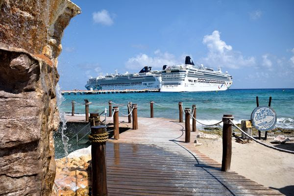 A snapshot of the Norwegian Jade (at left) and her sister ship, the Norwegian Dawn, from the shore of Costa Maya, Mexico, on March 21, 2018.