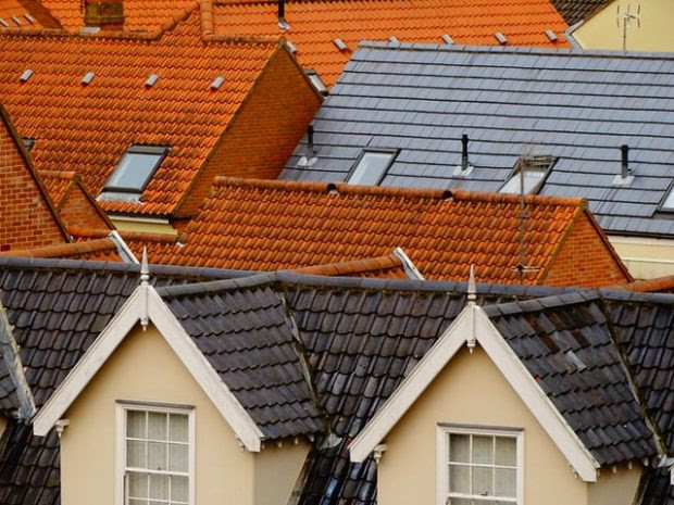 4 Simple Maintenance Tips That Will Preserve Your House's Roof