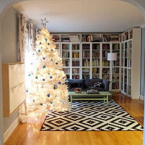 @boxycolonial Christmas home tour on the blog today! (Link in profile)....I found this white tree just in time at the thrift store last weekend #thriftscorethursday #christmas #christmastree