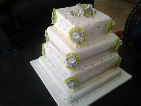 Gauteng Wedding Cakes / Floating Bakery