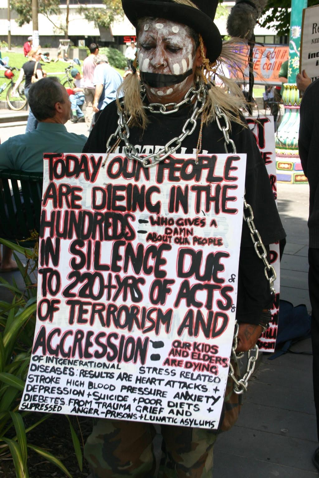 http://upload.wikimedia.org/wikipedia/commons/8/80/Susan_Charles_Rankin_on_Human_Rights_Day_2005.jpg