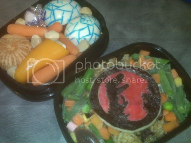 clementine,orange,carrot,mini sweet pepper,macadamia,nuts,mint,egg,provolone,nori,mixed veggies,brown rice