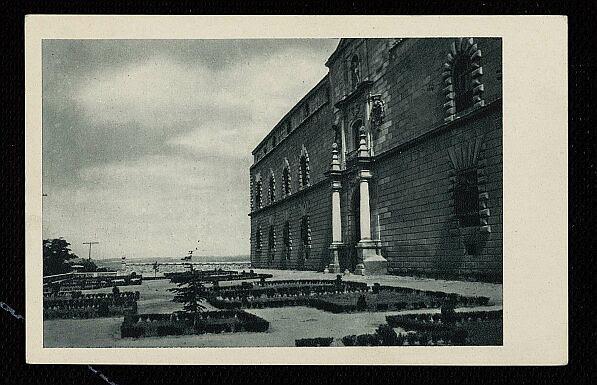 Exterior del Hospital Tavera a mediados del siglo XX. Fotografía de Rodríguez