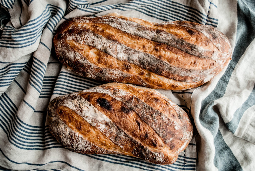 Easy Artisan French Bread Recipe that anyone can make ...