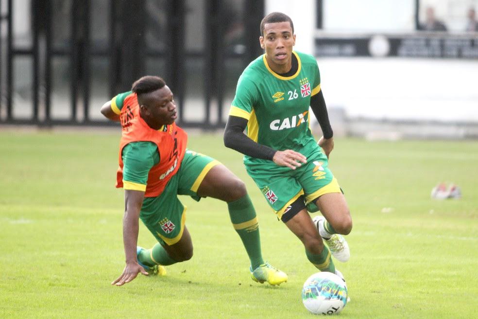 Barrado, Madson vem só treinando no Vasco e fez um jogo em 2017 (Foto: Paulo Fernandes/Vasco.com.br)