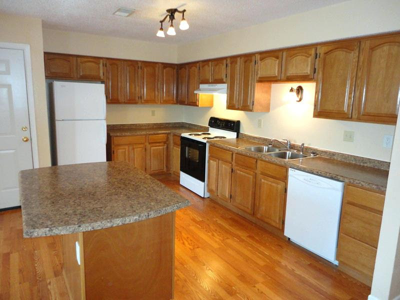 Kitchen Kitchens With Wood Cabinets And White Appliances Appliances Wood Cabinets Home Design Decoration
