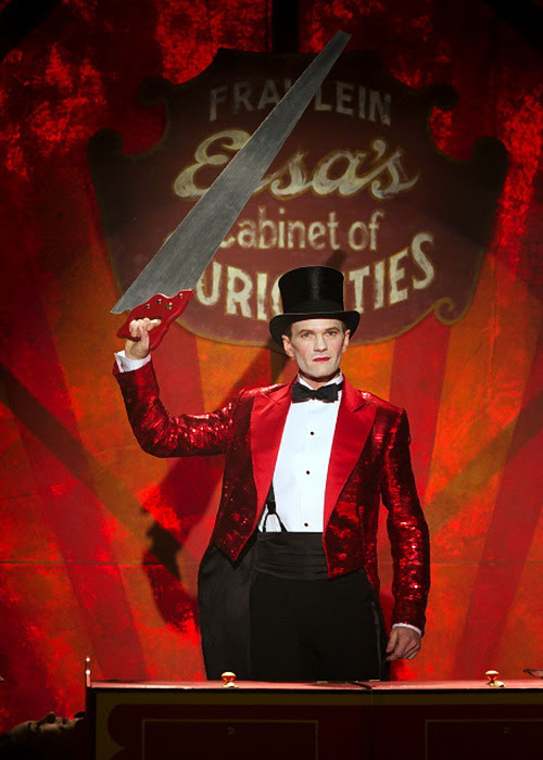 "Neil Patrick Harris in American Horror Story: Freak Show - 04x11 ""Magical Thinking"""