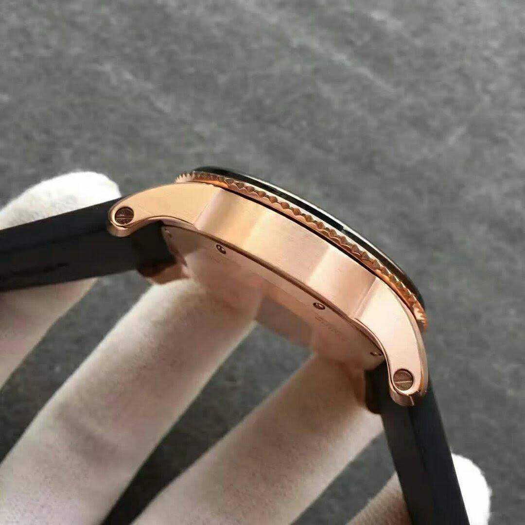 Calibre de Cartier W7100052 Case