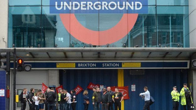 RMT members holding a picket outside Brixton Underground station