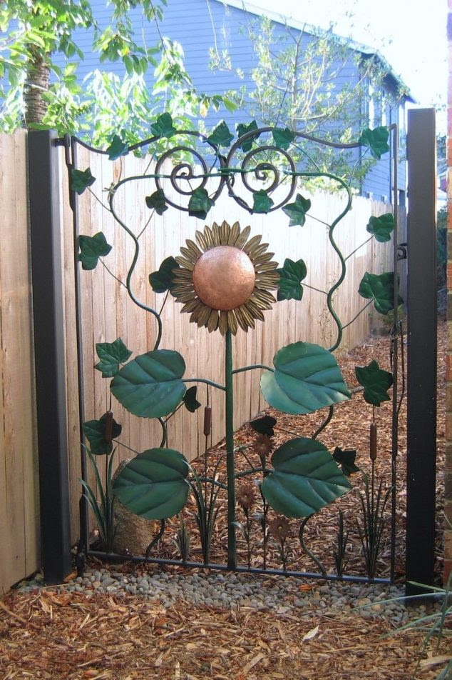 16427.72287 634x952 15 Decorative Metal Gate Design for Amazing First Impression