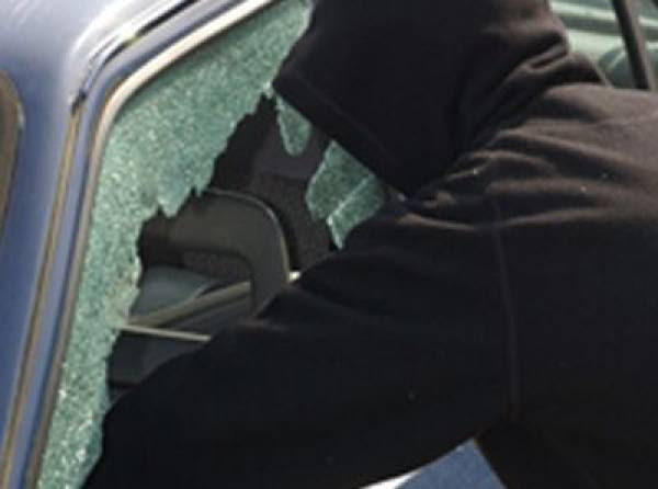 Κλοπή 130.000 ευρώ από αυτοκίνητο στη Στούπα κατήγγειλε επιχειρηματίας