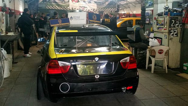 Uno de autos hallados en el desarmadero ilegal