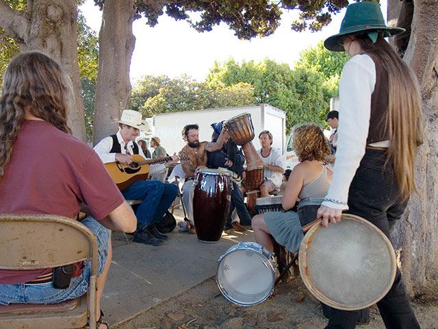Drum Circle and Food Not Bombs at Santa Cruz Farmers ...